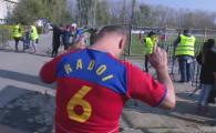 "Paradoxul razboiului stelelor! Suporterul CSA Steaua care se inchina la SIMBOLUL FCSB: ""Vai, ce bine ar fi sa il avem si pe Radoi aici!"""