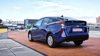Doua decenii de inovatie, Toyota Prius