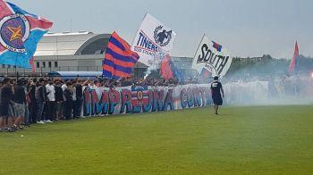 CSA Steaua 1-1 AFC Asalt | Pas gresit pentru echipa lui Lacatus: CSA, egalata dupa un gol fabulos de la 50 de metri! Scandal la intrare: jandarmii au dat cu gaze lacrimogene