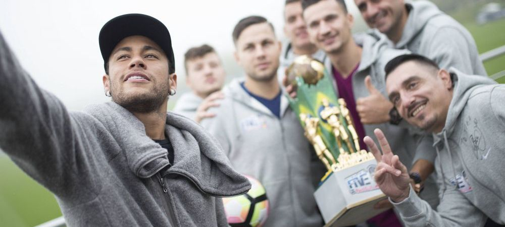 """Neymar s-a fotografia cu steagul Romaniei: """"A fost un moment UNIC in viata!"""" Ce le-a transmis campionilor de la Neymar Jr's Five World Final"""