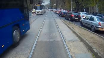 Faza de Fast & Furious in Romania! Manevra incredibila a unui sofer de autocar pe linia de tramvai! VIDEO