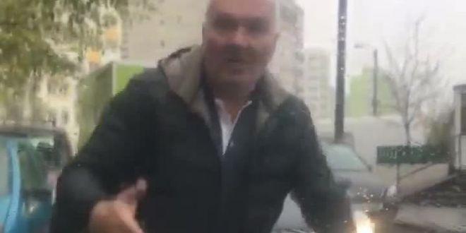 Imagini socante filmate in Bucuresti! I-a spart parbrizul cu pumnul! Ce l-a anuntat politia pe agresor