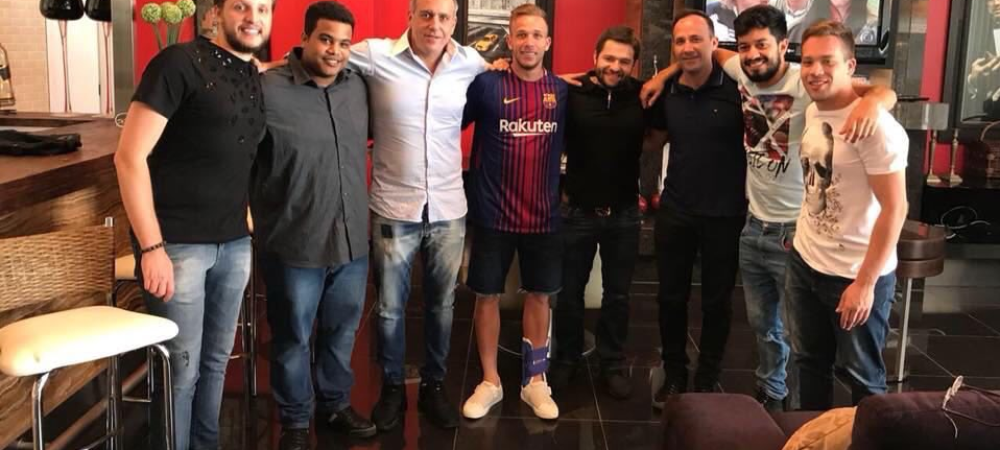 S-a fotografiat deja in tricoul Barcelonei! Noua stea a fotbalului brazilian, gata sa li se alature lui Messi si Suarez, dupa ce a castigat Copa Libertadores