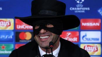 Doar ZORRO il putea invinge pe Guardiola! Cum a aparut antrenorul lui Sahtior la conferinta de presa dupa ce a oprit seria de 20 de victorii a lui Man City
