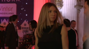 Simona Halep, declarata femeia anului in Romania! Cum s-a imbracat in seara in care Antonia a socat cu aparitia ei. VIDEO