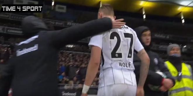 VAR schimba tot! Premiera istorica la meciul lui Bayern! Un jucator eliminat a fost RECHEMAT pe teren dupa analiza video