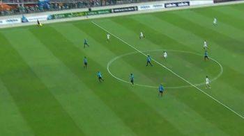 MAGIA lui Ronaldinho nu poate sa dispara! Gol FABULOS din propria jumatate de teren reusit de brazilian! Iata faza de senzatie. VIDEO