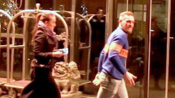 """FOTO: Conor McGregor """"a cheltuit"""" toti banii din meciul cu Mayweather cu sotia :) Cate cadouri a putut sa cumpere de la Louis Vuitton"""