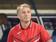 """Dan Petrescu loveste in arbitraj dupa 1-2 la Craiova, dar e increzator: """"Uitati-va la clasament"""". Ce obiectiv are si cum ii lauda pe olteni"""