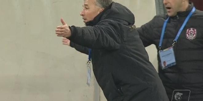 Raspunsul oltenilor pentru Dan Petrescu, dupa ce antrenorul a acuzat erori la golul lui Baluta si hentul lui Gustavo