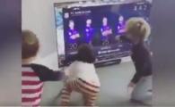 Reactia adorabila a copiilor unui star de la Barca atunci cand vad la TV ca tatal lor e titular in El Clasico :) VIDEO