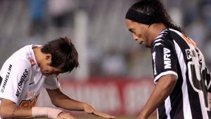 """Neymar a aflat ca Ronaldinho s-a hotarat sa se retraga si a intrat imediat pe internet. Mesajul emotionant postat de """"urmas"""""""