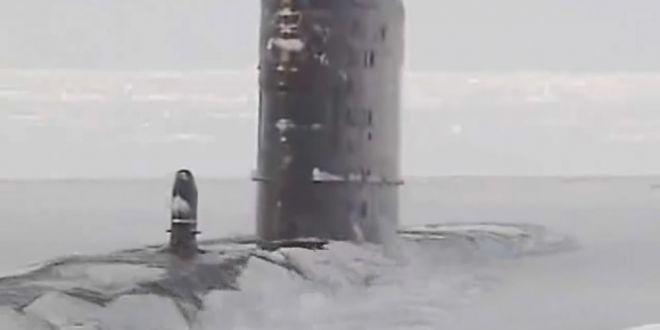 Greu de oprit! Cum ies la suprafata submarinele nucleare americane prin gheata arctica