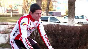"""Studentul care a ajuns campion la ciclism de NEVOIE: """"Pedalam cate 60 km pe zi ca sa merg la scoala!"""" VIDEO"""