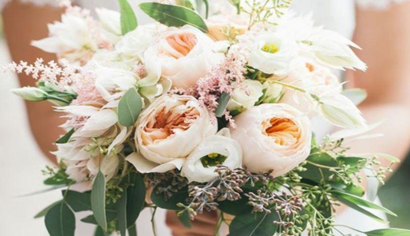 (P) Ce flori oferim la cununia civilă