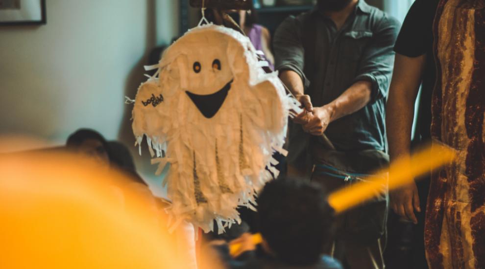 (P) 5 sfaturi pentru organizarea unei petreceri de Halloween la birou