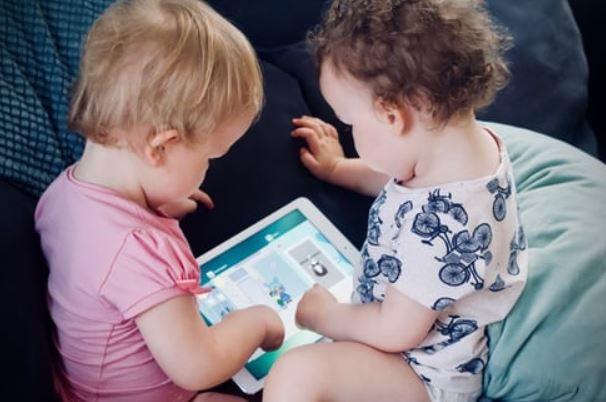 (P) 3 trucuri utile pentru părinții de gemeni