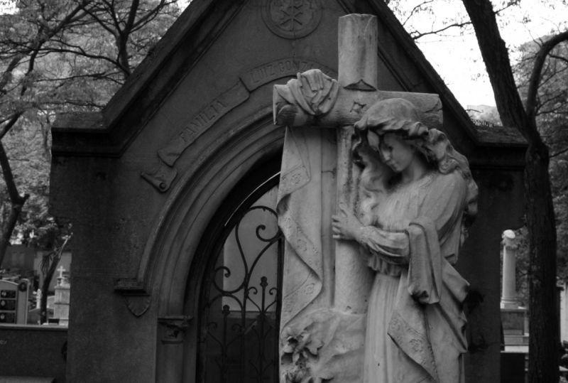 (P) Întrebări pe care ai vrea să le adresezi unei firme de servicii funerare din sectorul 2
