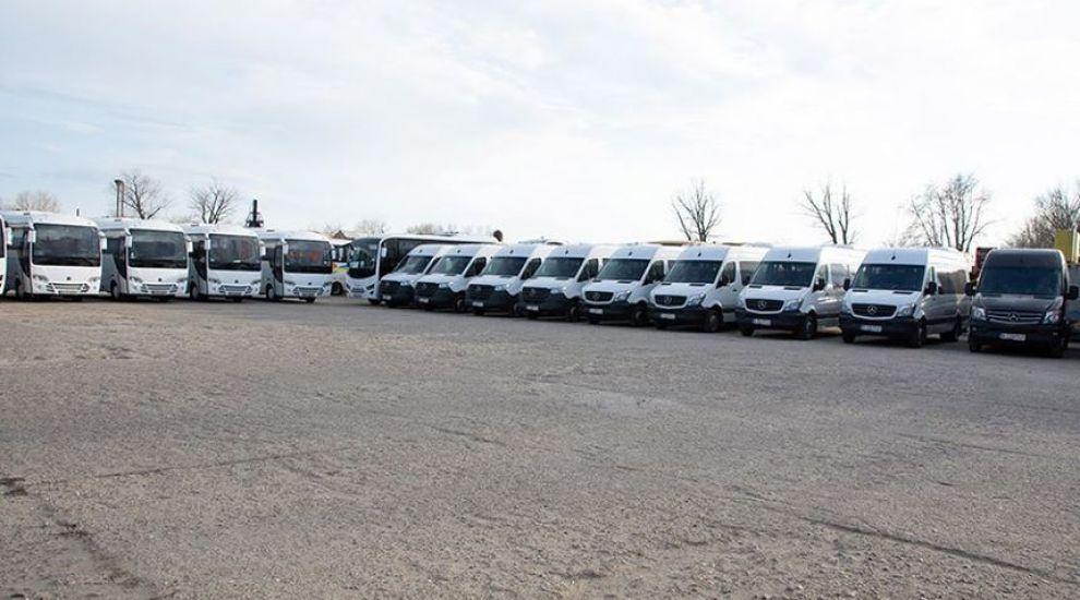(P) Transcar SRL ndash; Compania ce iti poate oferi transport de inchiriat cu soferi pentru orice vis pe care-l ai!