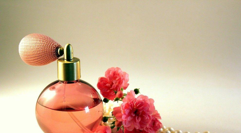 (P) Psihologia parfumurilor: Ce spune parfumul tău despre tine?