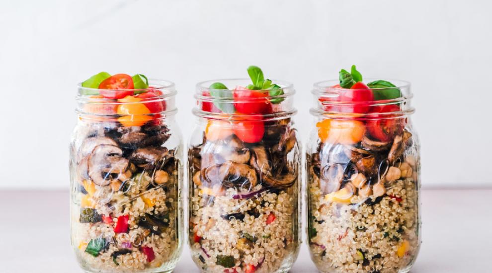 (P) 5 sfaturi pentru a-ți îmbunătăți obiceiurile alimentare