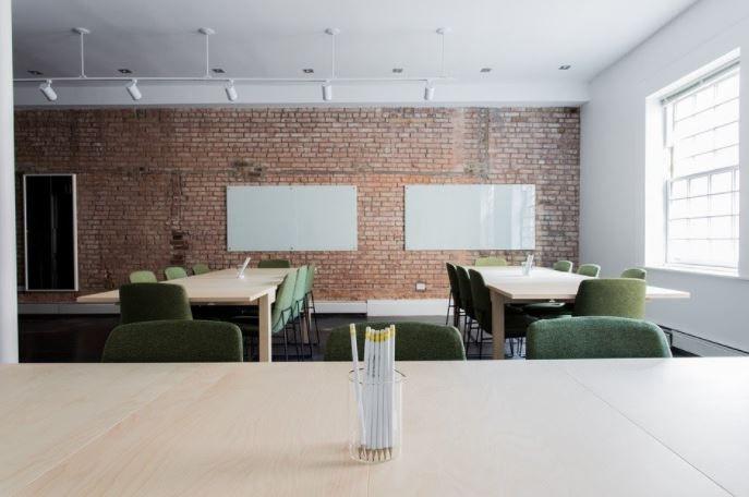 (P) Care sunt principalele caracteristici ale unui scaun directorial de care trebuie sӑ ții cont?