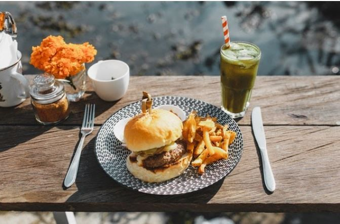 (P) 5 mituri pe care nu trebuie să le crezi despre preparatele fast food