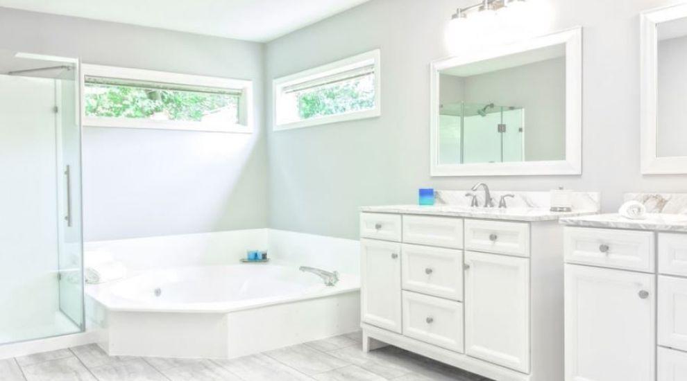 (P) Înlocuirea obiectelor sanitare din baie: 4 reguli esențiale