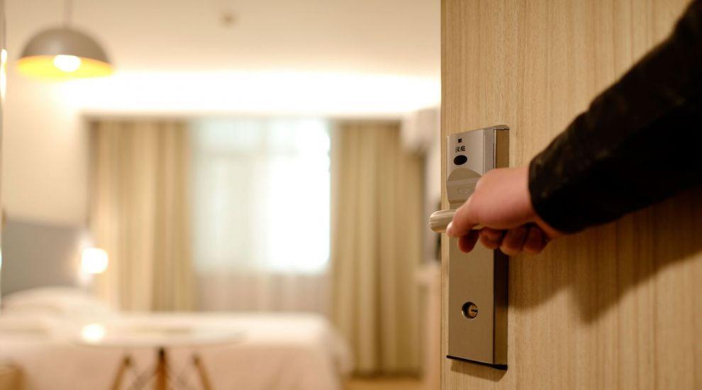 (P) Opt dotări minime necesare pentru deschiderea unui hotel