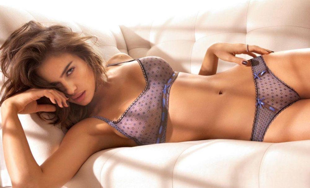 Irina Shayk, desemnată cel mai bun fotomodel de costume de baie din lume