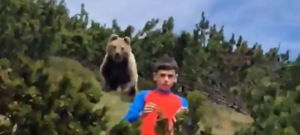 Un băiat de doar 12 ani este urmărit de un urs URIAȘ într-o pădure din Italia! VIDEOCLIPUL care face înconjurul lumii! Ce s-a întâmplat