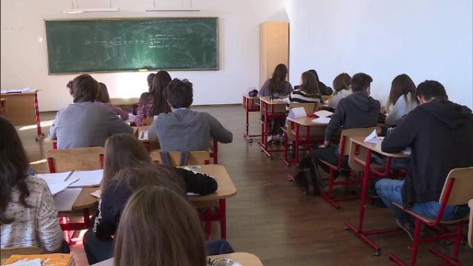 Nu se deschid școlile nici din septembrie? Anunț de ultimă oră al premierului Orban
