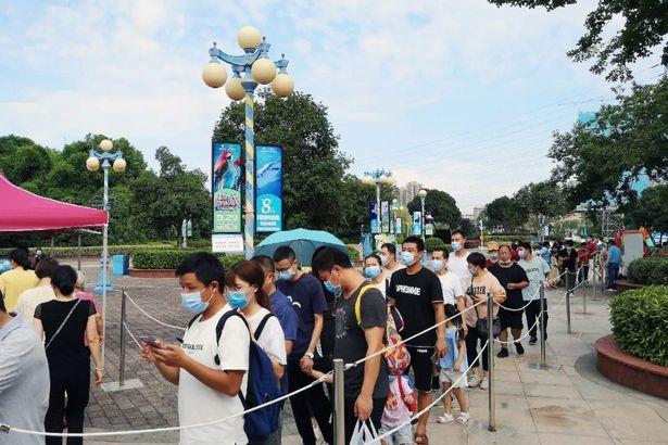 Imaginile care vor înfuria toată PLANETA! Ce se întâmplă la Wuhan, locul unde a luat viață Covid-19, când întreaga lume e în PLINĂ PANDEMIE | FOTO