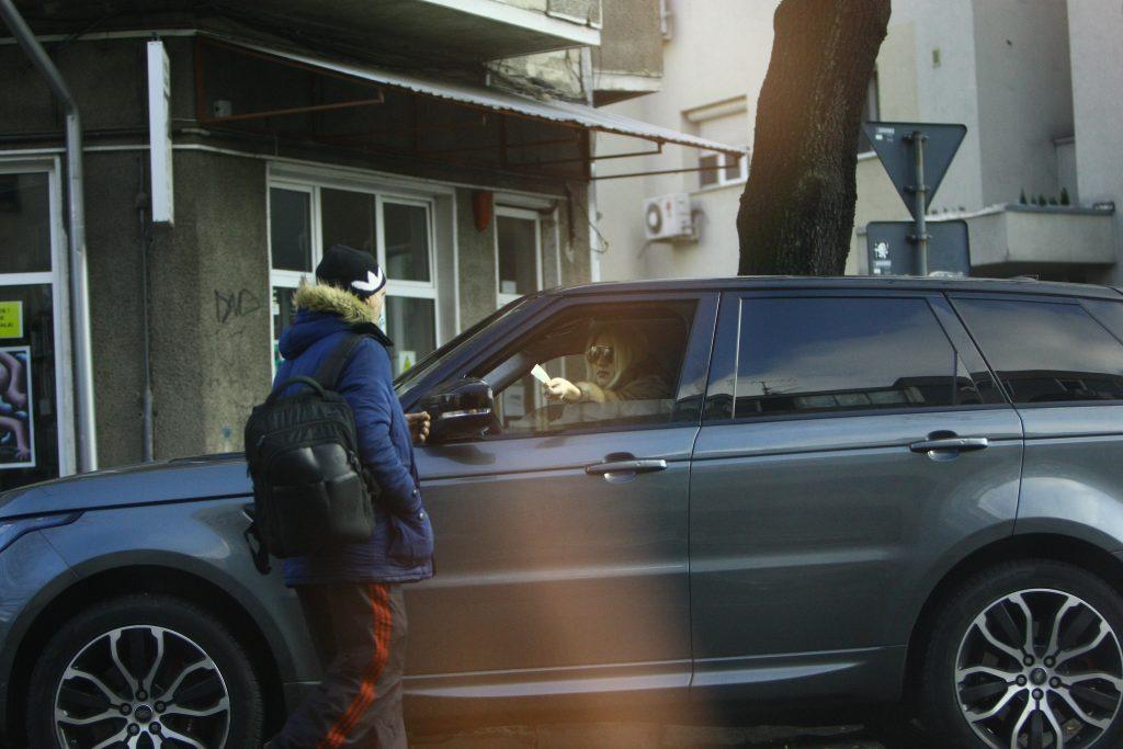 Alexandra, fata lui Gigi Becali, gest impresionant pentru un om nevoiaș: ce suma i-a oferit în plină stradă