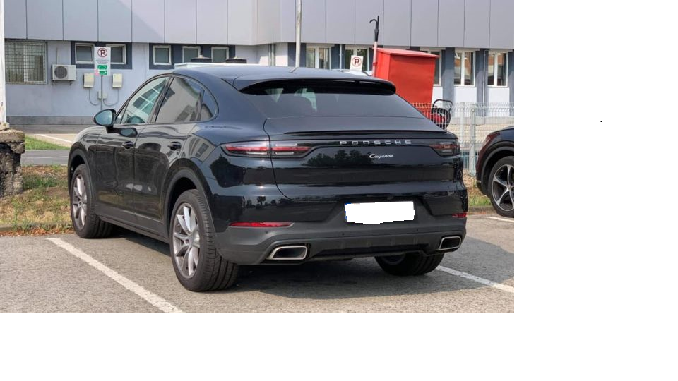 Caz bizar la Timișoara. Bolid de 100.000 de euro, furat la comandă, abandonat într-o parcare, câteva ore mai târziu