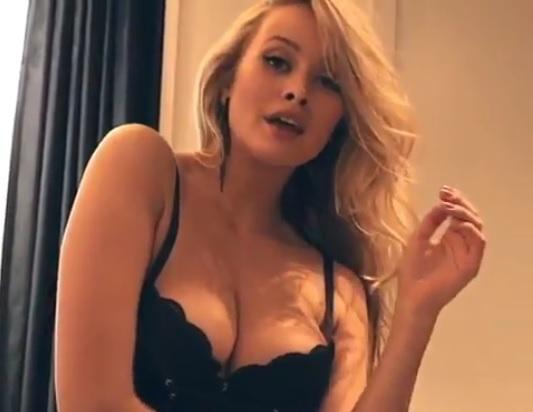 Modelul cu cei mai frumoși sâni a șocat: Nu-i suport! Dacă-i vrea cineva, îi vând. Ieftin!