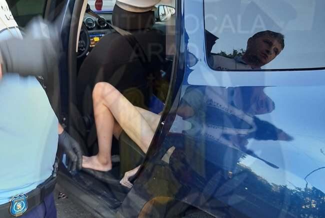Femeie complet dezbrăcată în centrul Aradului. Ce căra într-un sac i-a șocat pe polițiști