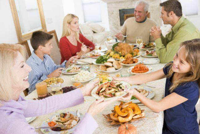 Afla care sunt beneficiile mesei in familie