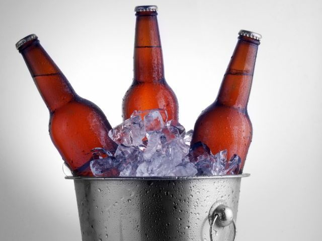 Petrecere intre prieteni - afla cum sa organizezi o degustare de bere