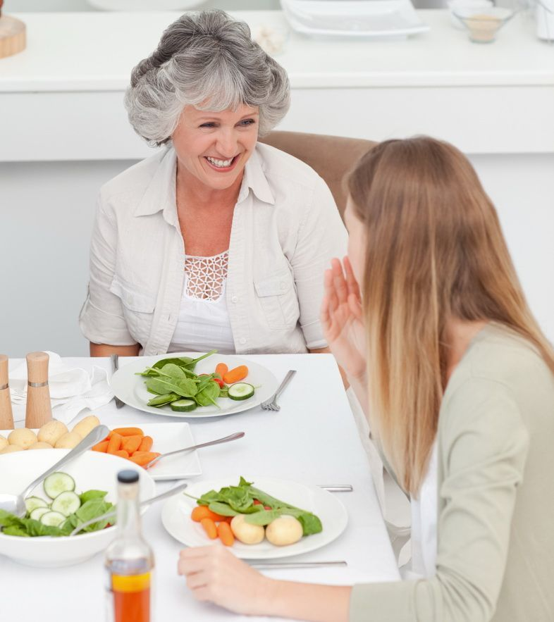 Reinviem amintirile din copilarie. O masa cu mama de ziua ei