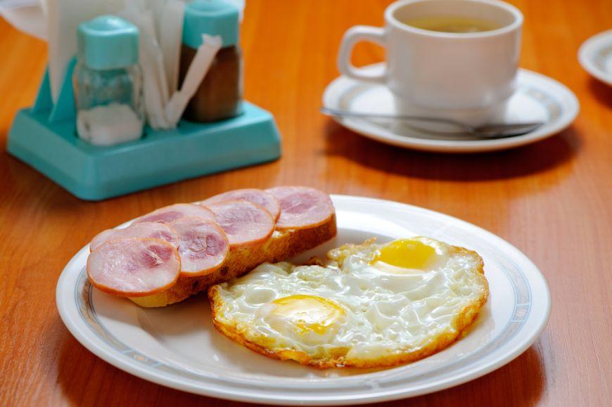 Mic dejun si cina dintr-un foc. 5 feluri de mancare versatile