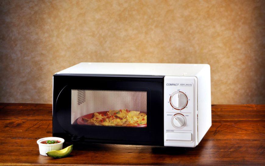 Esti dependent de cuptorul cu microunde? Afla daca e sanatos sa il folosesti