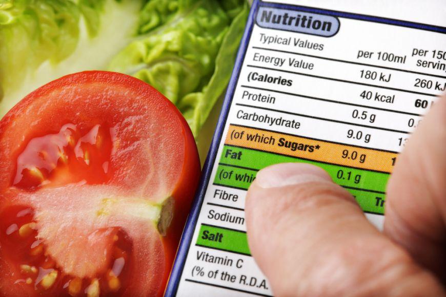 """Gresim cand credem ca tinem dieta? Surprizele alimentelor etichetate """"light"""" sau """"sanatoase"""""""