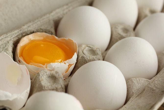 Nu le mai arunca la gunoi. 6 moduri ingenioase sa folosesti cojile de ou