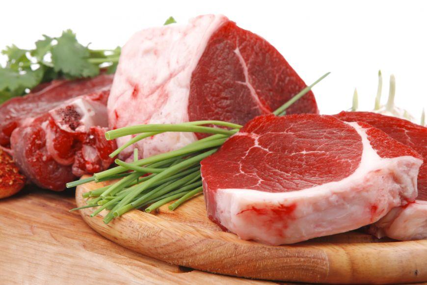 Carnea rosie, un aliment controversat. Ce crezi, e sanatoasa sau nu?