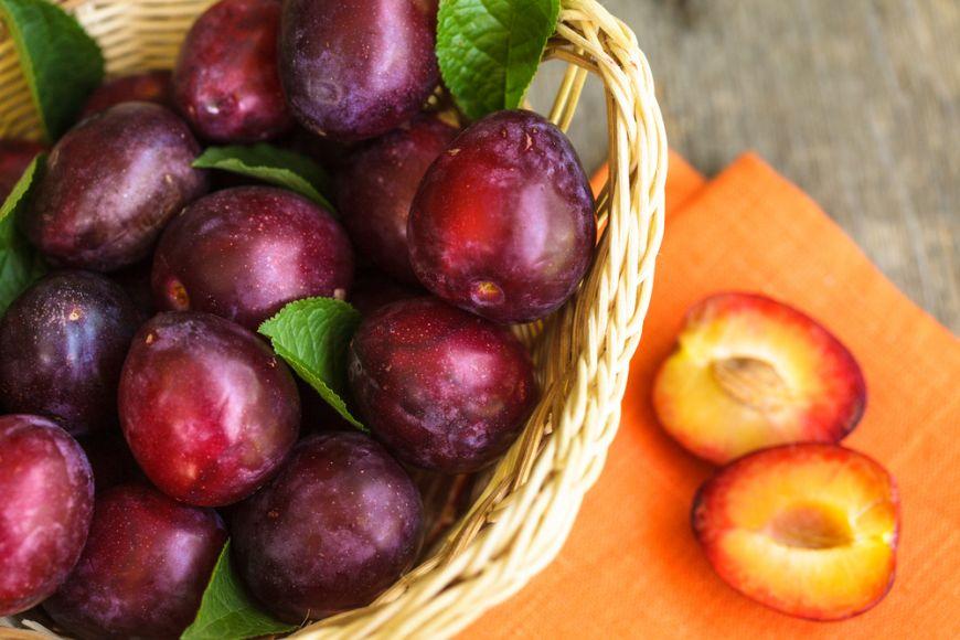 Delicii de toamna. 5 retete cu prune pe care trebuie sa le incerci