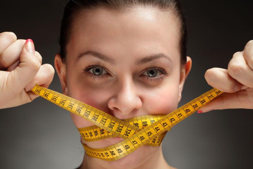"""Top 5 cele mai periculoase diete. Gesturile extreme la care recurg vedetele, transformate in """"trenduri"""" de slabit"""