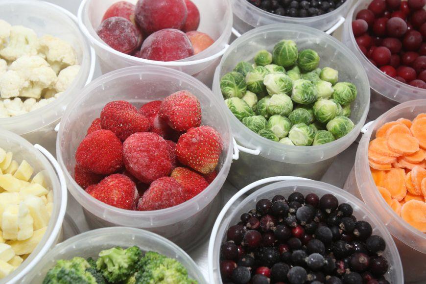 Proaspete, la conserva sau congelate? Care e varianta cea mai buna pentru fructe si legume