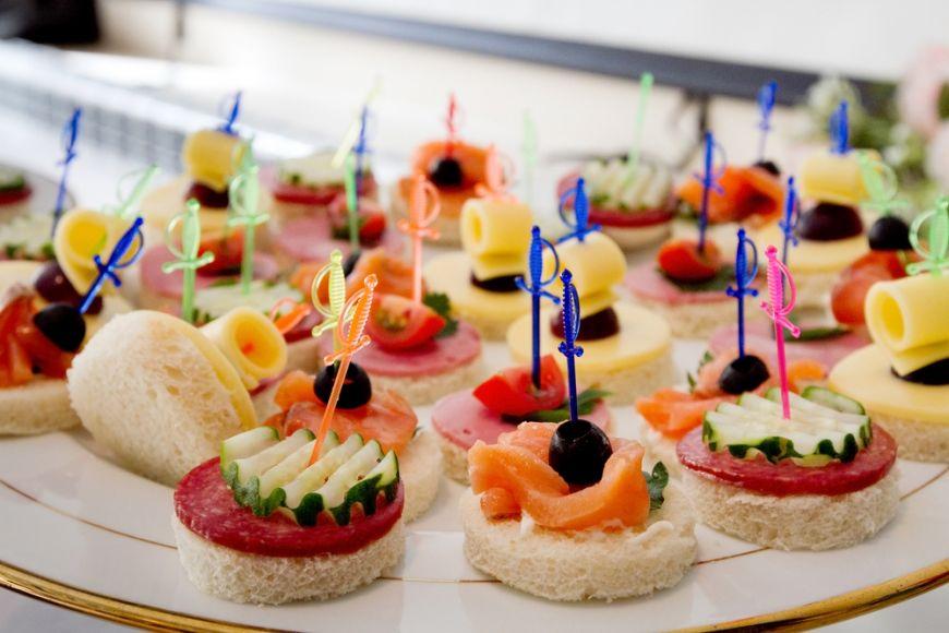 Da startul petrecerii cu aperitive gustoase. 3 idei pentru Revelion