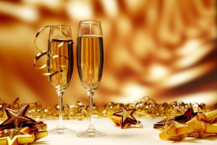 Cocktailuri de Revelion. 5 idei sa va inveseliti seara